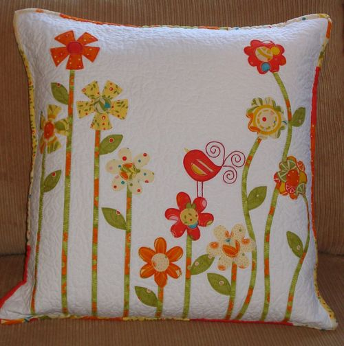 Flower Garden Pillow by Marlene from Sipiweske Quilt Designs